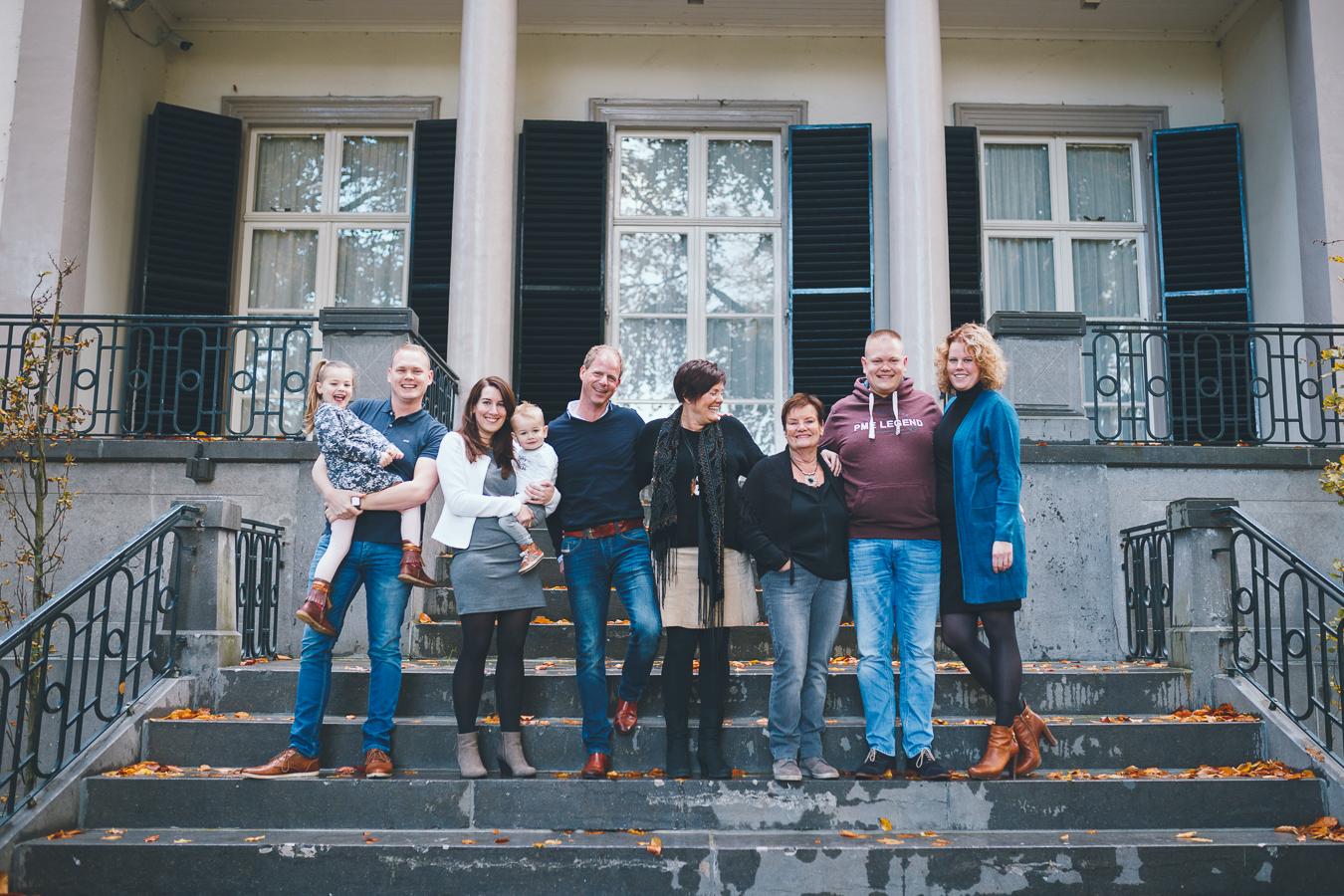 Familiefotograaf Apeldoorn oma moeder 70 75 80 jaar