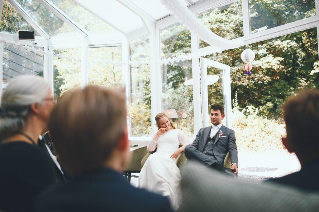 Ceremonie op bruiloft trouwfotograaf in Nunspeet