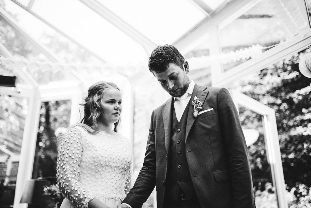 Trouwceremonie op bruiloft trouwfotograaf in Nunspeet