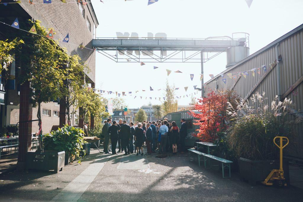 Industriële trouwlocatie Tramkade op bruiloft trouwfotograaf in Den Bosch