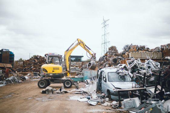 Afval bij Van Gerrevink Recycling en vernietiging in Apeldoorn