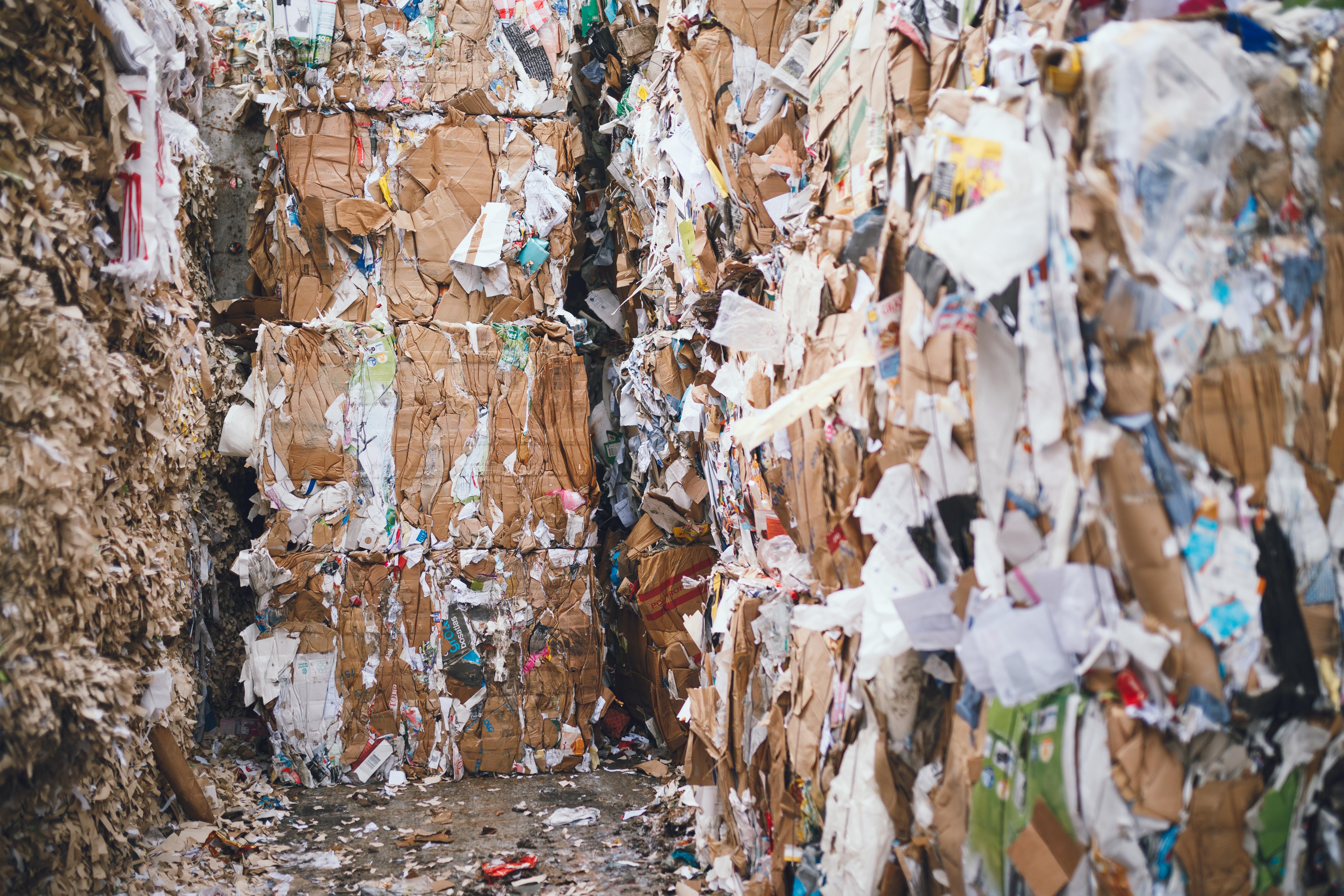 Papierpers bij Van Gerrevink Recycling en vernietiging in Apeldoorn