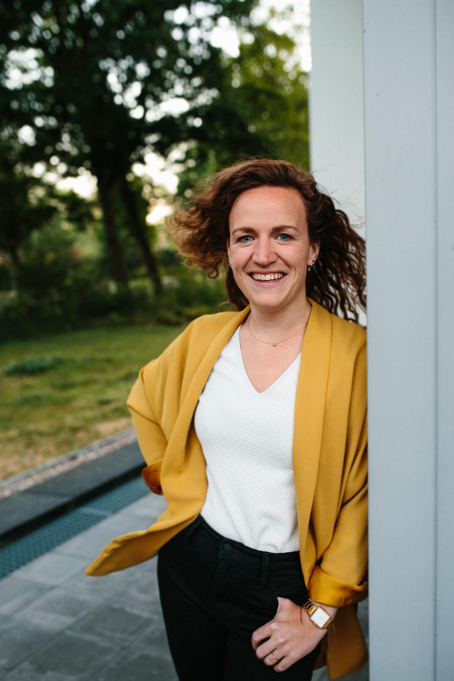 Zakelijk portret van vrouwelijke ondernemer fotoshoot in Apeldoorn
