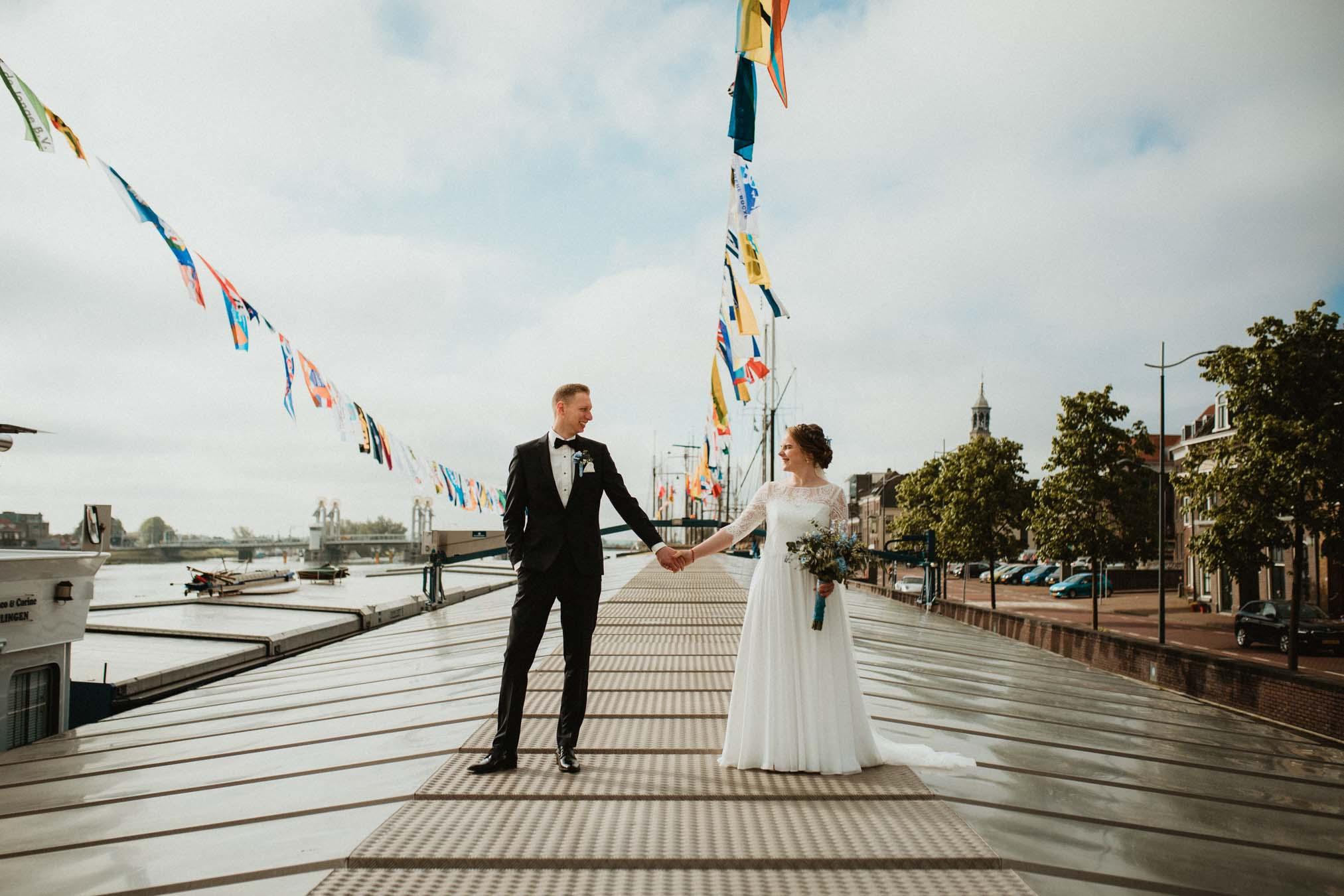 Trouwfotografie spontaan en ongedwongen in Kampen door Ilse Stronks fotografie